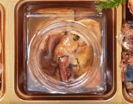 遠音近音のおせちに入っている「牡蠣のコンフィ」